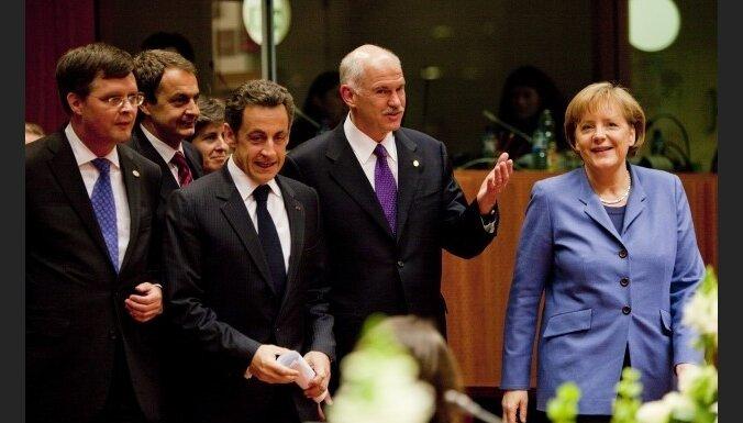 Eirozona vienojas palīdzēt Grieķijai cīņā pret krīzi