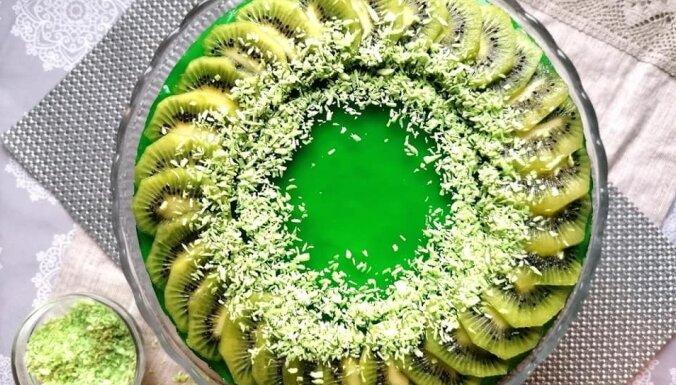 Foto recepte: Kivi želejas kūka ar biezpiena un maskarpones krēmu