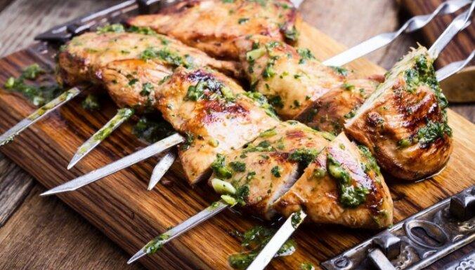 Maigs un sulīgs vistas šašliks: 17 receptes izcilam rezultātam