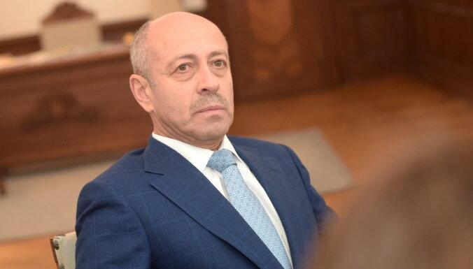 'Saskaņas' lēmums neatbalstīt budžetu ir bezatbildība pret rīdziniekiem, apgalvo Burovs