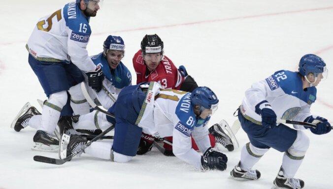 Курьезный гол помог Казахстану одолеть Швейцарию, а Дания сильнее Норвегии