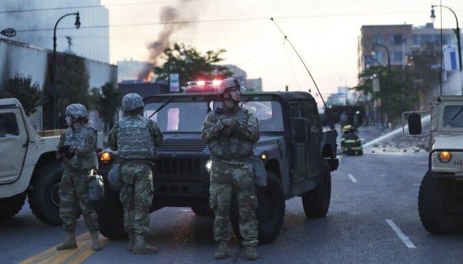 Беспорядки в США: в Вашингтоне ввели комендантский час и задействовали солдат