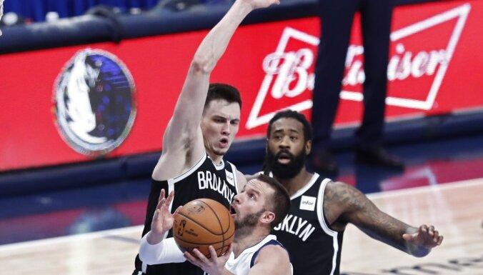 'Mavericks' bez Porziņģa uzvar 'Nets'; Kurucs iziet pamatsastāvā un gūst astoņus punktus