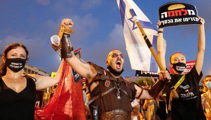 Izraēlā notikuši protesti pret valdības ekonomikas politiku pandēmijas laikā