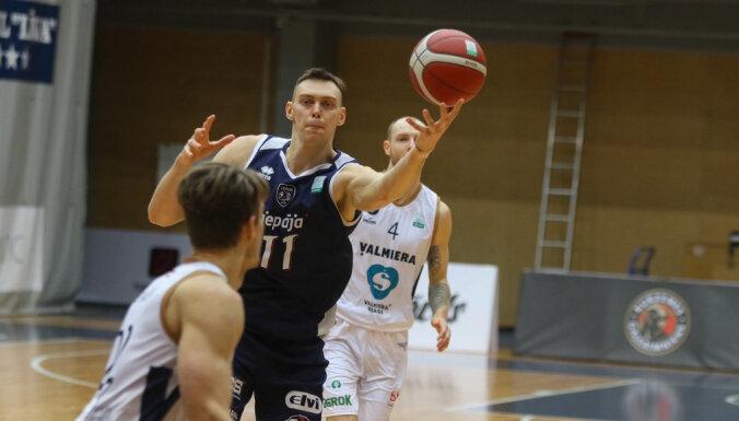 'Liepājas' basketbolisti izcīna uzvaru pirmajā LBL ceturtdaļfināla spēlē
