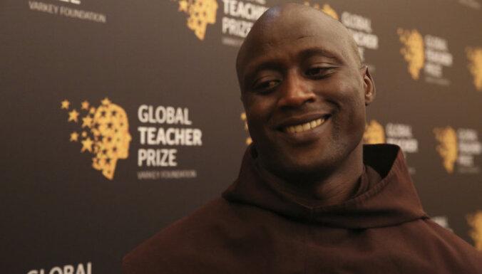Премию в миллион долларов как лучший учитель мира получил кениец