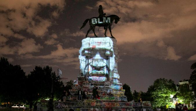 ASV Senātā bloķē priekšlikumu no Kapitolija aizvākt konfederātu skulptūras