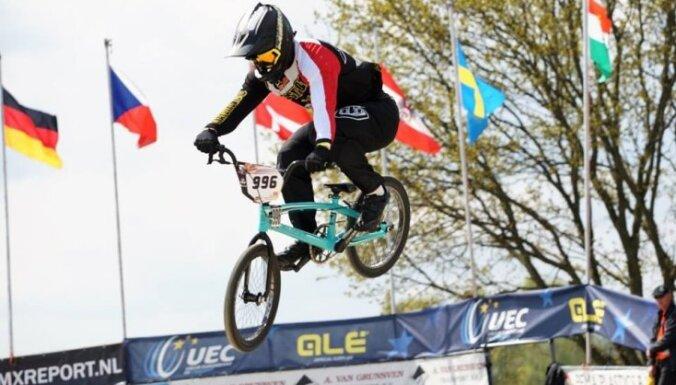 Latvijas sportisti Pasaules kausa izcīņas posmā BMX superkrosā netiek tālāk par ceturtdaļfinālu