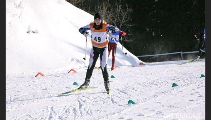 Latvijas jaunajiem slēpotājiem godalgotas vietas 'Swedbank' kausā Igaunijā