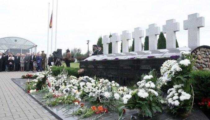 Lietuva piemin Medininku traģēdijas gadskārtu