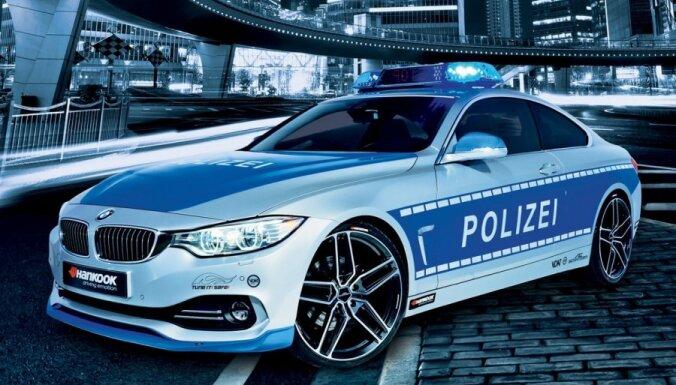 Германия: латвиец попался на незаконной автомобильной гонке по Кельну