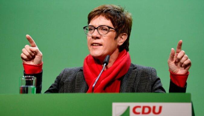 Крамп-Карренбауэр не намерена входить в правительство ФРГ