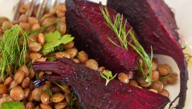 Салат из свеклы и чечевицы