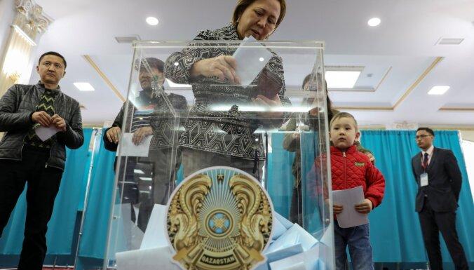 В Казахстане начались внеочередные выборы президента