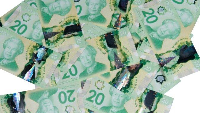 Новый вид пластиковых долларов запускают в обращение (фото, видео)