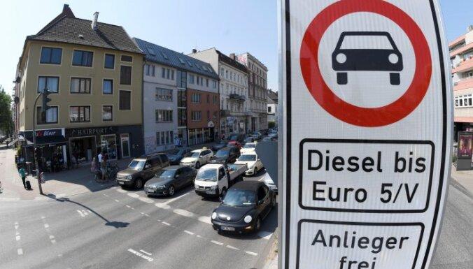 Vācijas transporta ministrs: dīzeļauto izmantošanas aizliegumi ir pašiznīcinoši