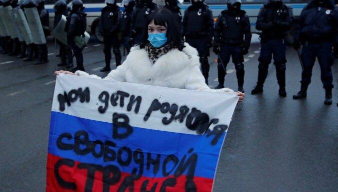 Глава штабов Навального оценил число участников протестных акций по всей России в 250-300 тысяч человек