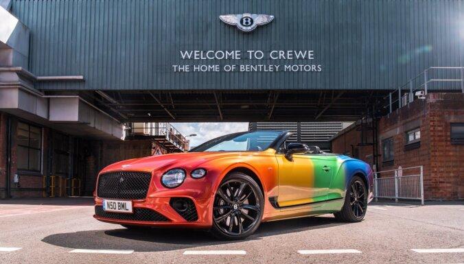 'Bentley' par godu LGBT praidam radījis varavīksnes kabrioletu