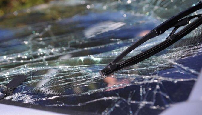 Автомобиль съехал в кювет: врачи констатировали смерть водителя