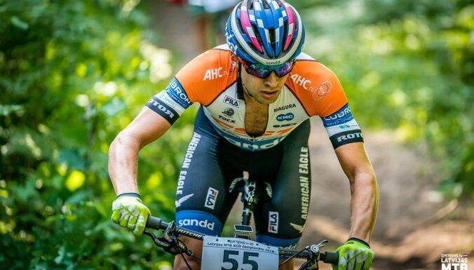 Blūms sezonu iesāk ar uzvaru 'Costa Blanca Bike Race' pirmajā posmā
