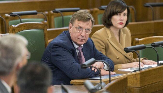 Премьер: вопрос об образовании на латышском языке решим до февраля