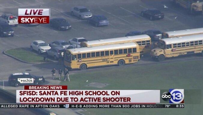 При стрельбе в школе в Техасе погибли не менее 10 учащихся