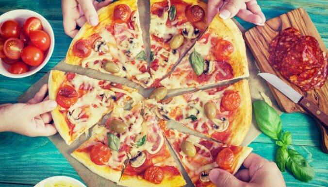 12 picas receptes vakaram ģimenes un draugu lokā