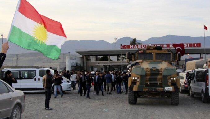 Sīrijas kurdu spēki pasludina autonomu zonu pie Turcijas robežas
