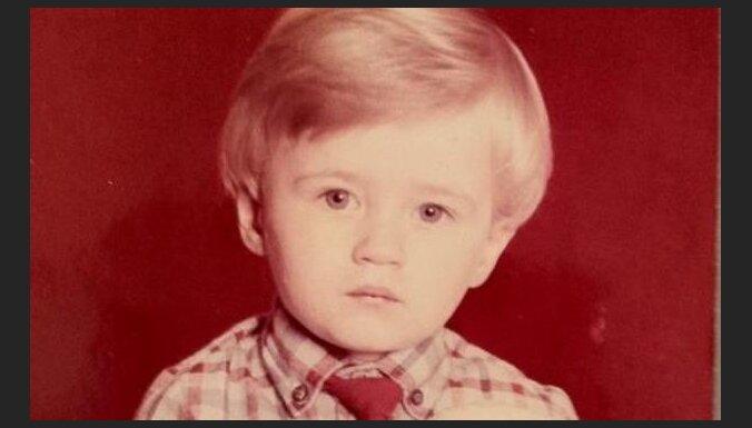 Arī Miks Ozoliņš publicē savu bērnības foto