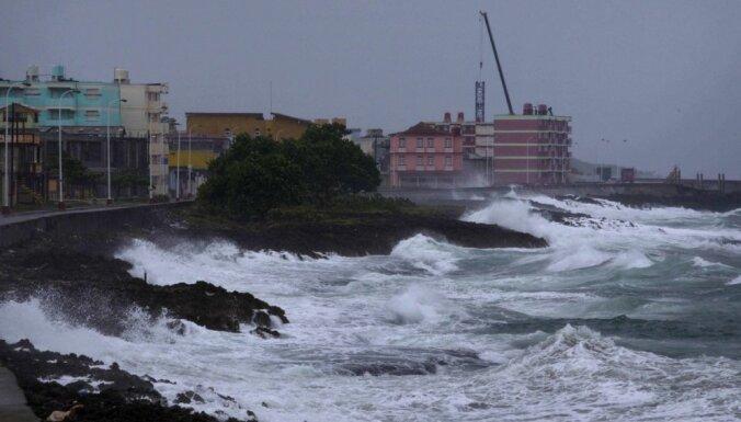 Haiti sasniegusi viesuļvētra 'Metjū'; trīs bojāgājušie