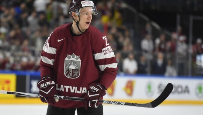 Džeriņš un Sprukts izlaidīs Latvijas hokeja izlases spēli pret Krieviju