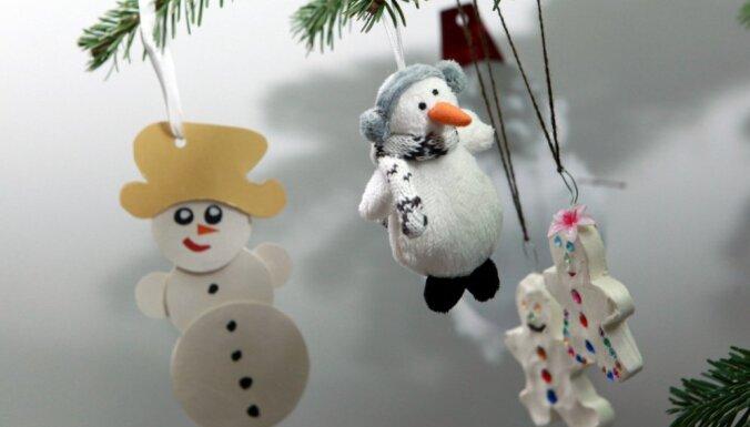Rietumu kristīgā pasaule sāk svinēt Kristus dzimšanas svētkus