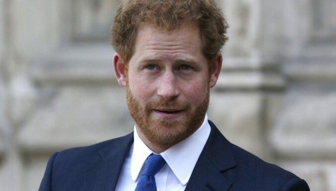Он теряет репутацию: принца Гарри назвали лицемерным и растерянным