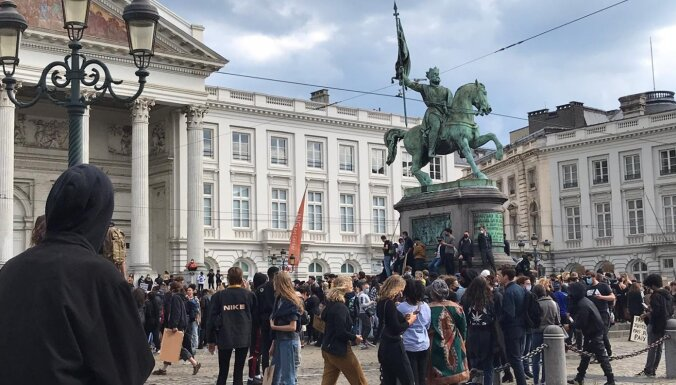 'Melnādaino dzīvības ir svarīgas': tūkstošiem protestētāju iziet arī Briseles ielās