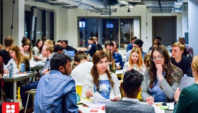 Swedbank приостановил выдачу студенческих кредитов