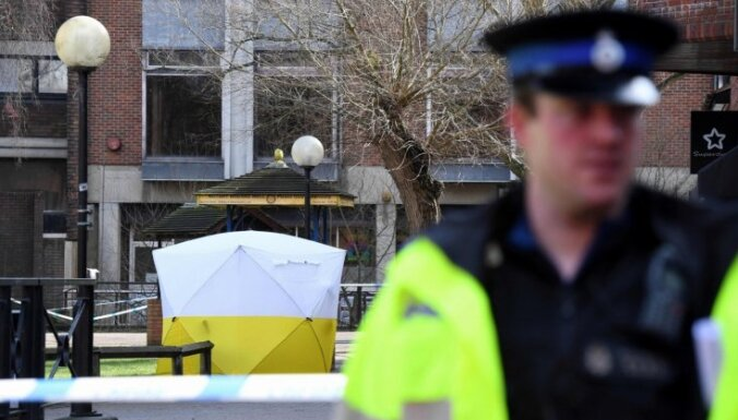 Skripaļa saindēšana: Lielbritānija 'spēlējas ar uguni', brīdina Maskava