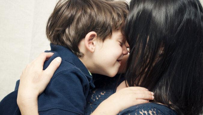 'Memmes dēliņi' - kā tas notiek, daudzbērnu mammas atzīšanās