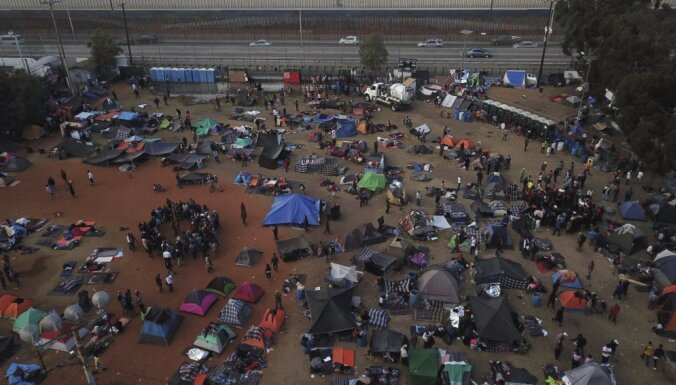 Tramps draud slēgt ASV un Meksikas robežu