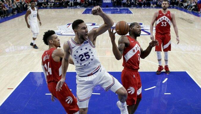 '76ers' un 'Trail Blazers' panāk izšķirošās spēles NBA 'play-off' otrajā kārtā