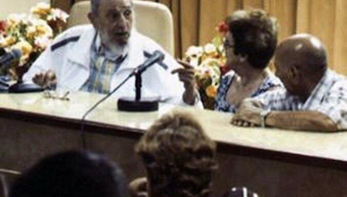 Фидель Кастро вновь появился на публике