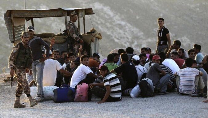 13 декабря: ЧП на пароме Tallink, никому не нужные беженцы и казнь предателей