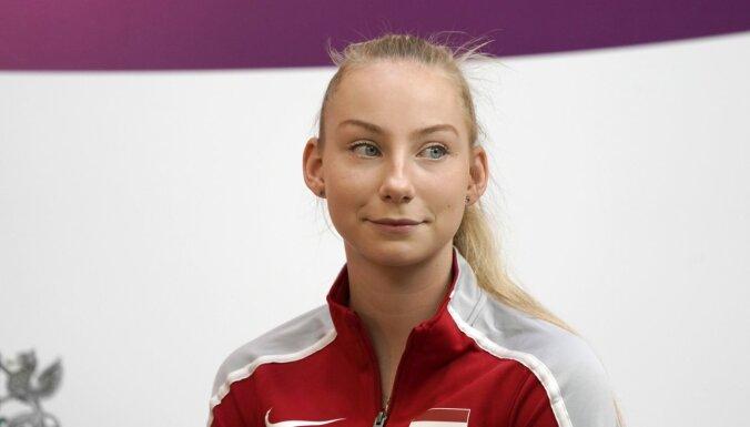 Latvijas čempionātā tenisā uzvar Špaka un Dambiņš