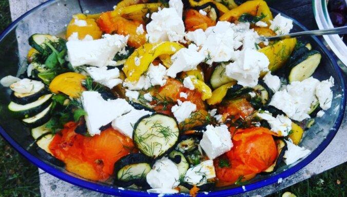 Marinēti, grilēti dārzeņi ar fetas sieru