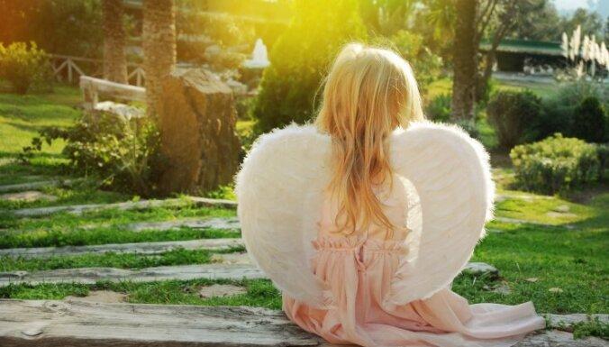 Man ir divi eņģelīši debesīs un viens uz zemes: pieredzes stāsts par bērniņa zaudēšanu