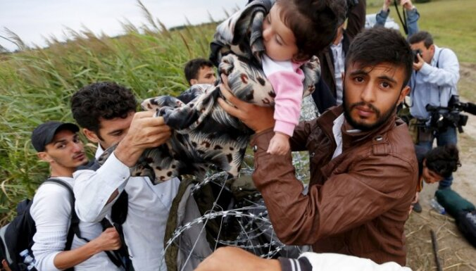 Неофициальная информация: в Латвию направят не 250, а 2239 беженцев