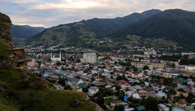 Ziemeļkaukāzā uzspridzinoties pašnāvniekam, ievainoti seši policisti
