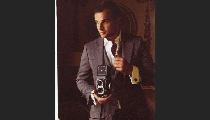 Agris Blaubuks - Ford Models skauts Eiropā, 2bmodels direktors, II vietas ieguvējs prestižajā modeļu konkursā Manhunt 2005, Misters Latvija 2002 un Misters Rīga 2001, strādājis kā modelis daudzās pasaules valstīs.