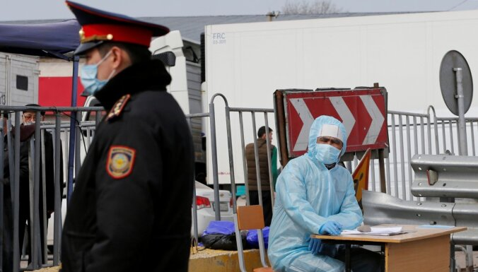 Covid-19: Kazahstānā saslimuši 120 mediķi