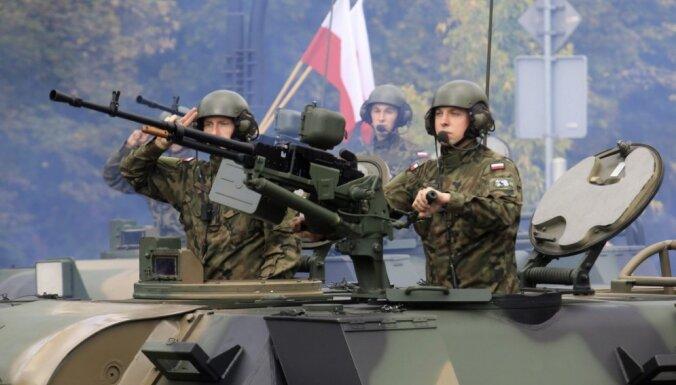 Две трети жителей Польши считают, что их страна должна защитить Латвию