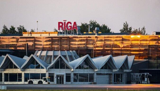 """Аэропорт """"Рига"""" сокращает расходы и готовится к массовым увольнениям"""